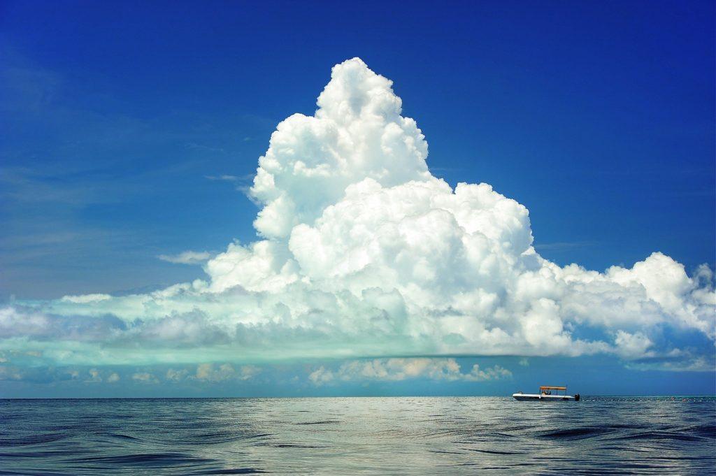 雲 クラウド AWS