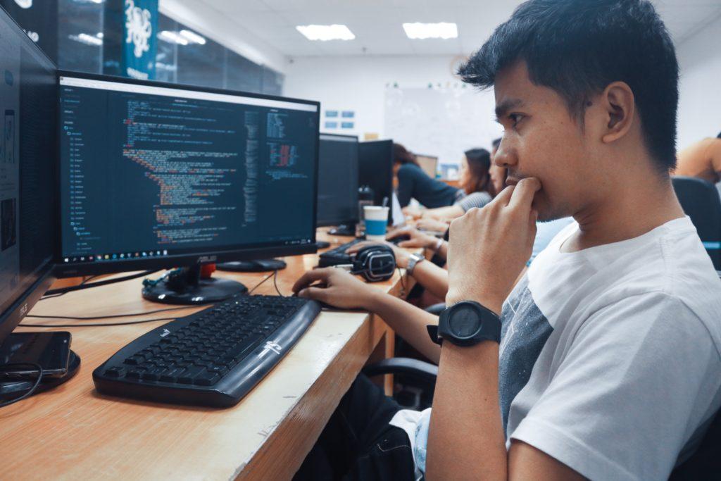 プログラマー 仕事